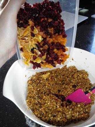 No Bake Granola Bars - step by step tutorial
